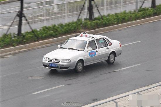 海博:     海博出租汽车有限公司是上海市出租四大骨干
